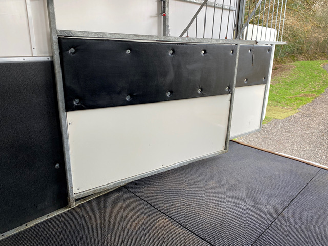 7.5t Peper Harrow Horsebox